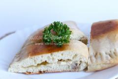 Рецепт вкусных кальцоне с курицей и сыром