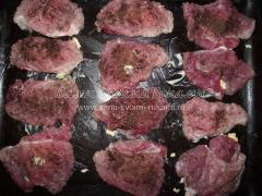 Свиные отбивные под овощной и грибной шубой, рецепт