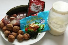 Свинина по-барски с огурцом и грецкими орехами, рецепт