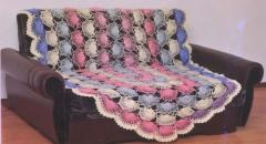 Вяжем ажурное одеяло крючком
