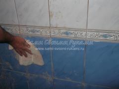 Наклейка кафельной плитки в ванной комнате