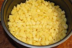 Картошка тушеная с говядиной в мультиварке