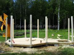 Как построить красивую беседку из дерева с мини мельницей