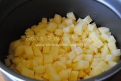 Подготавливаем картофель