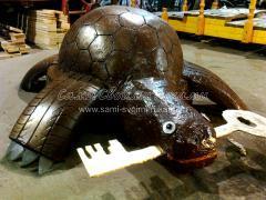 Поделка из шин для сада - черепаха Тортилла из старого тазика и шины