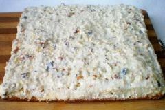 Торт намазан кремом