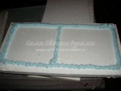 Нанесение клея-пены на плиту