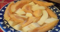 Десерт из дыни - рецепт с мороженным
