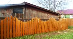 Как построить деревянный забор своими руками