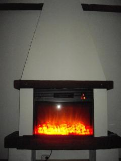Электрический камин в квартире