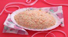 Как приготовить витаминный салат (яблоко, кольраби, дайкон, морковь, орехи, сыр, сметана)