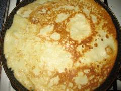 Блинчики с яблоками, медом и грецкими орехами - рецепт с фото