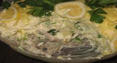 Салат из отварной свинины