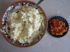 Сырники с курагой и корицей - рецепт с фото