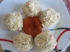 Творожные шарики с курагой и инжиром, как приготовить - рецепт с фото