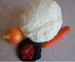 Тушеная капуста с черносливом - рецепт с фото