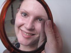 Кефирная маска для лица со смородиной