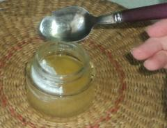 Маска для губ из меда, пилинг