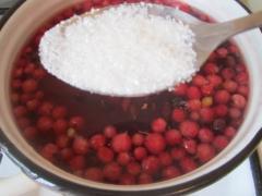Приготовление киселя из красной и черной смородины, рецепт с фото