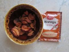 Яблочная вода для умывания из сушеных яблок и корицы