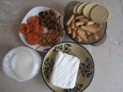 Творожные палочки с изюмом, курагой и миндалем - рецепт, фото