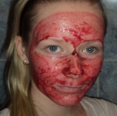 Маска для лица из смородины (черной, красной) - отбеливающая, витаминная - рецепт, фото
