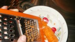 Зимняя маска из морковки для сухой кожи (морковь, мед, оливковое масло)