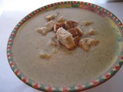 Суп пюре из шампиньонов со сметаной и гренками