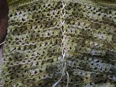 Зеленый топик на шнуровке, как связать крючком - описание, схема, фото