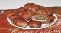 Шампиньоны фаршированные в духовке в беконе - рецепт