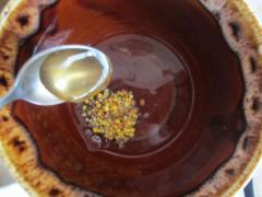 Крем от первых морщин (цветочная пыльца, мед, яйцо, мука)