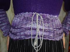 Фиолетовая кофта спицами со вставками из брюггского кружева - фото