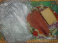 Канапе с сыром и семгой