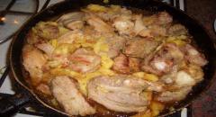 Рецепт - мясо с ананасами - подаем на стол в ананасе