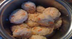 Куриные тефтели в грибном соусе