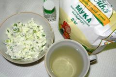 Как приготовить лепешки из полузаварного теста с творогом - рецепт, фото